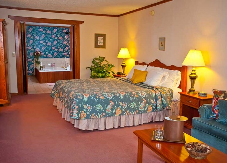 Bavarian Inn Lodge Ground Floor Mini Suite Bed Rooms